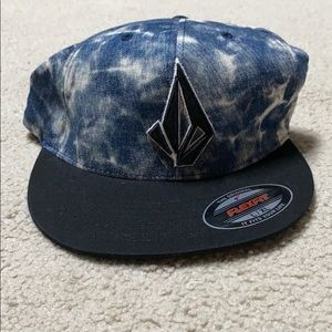 Volcom flexfit hat size L-XL new with tags